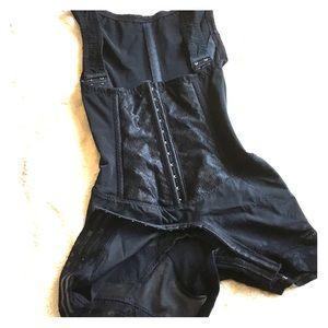 Body shaper all black, 3 in one size